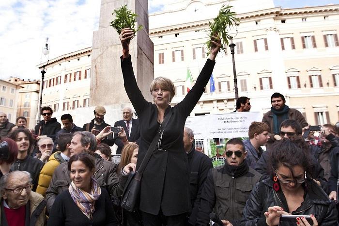 Manifestazione antiproibizionista dei Radicali Italiani