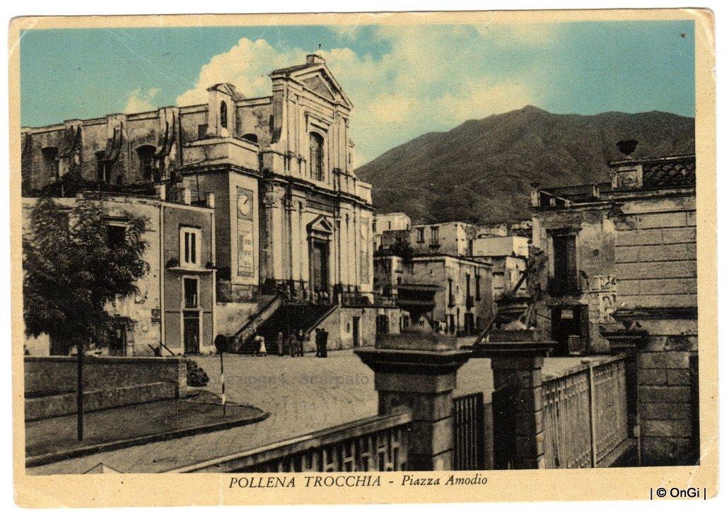 POLLENA TROCCHIA - Piazza Amodio